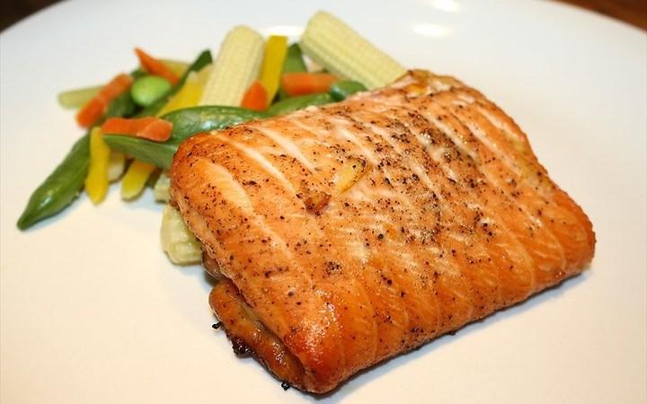 Asian style salmon filet